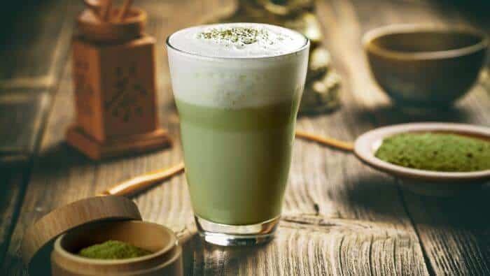 matcha latte groen te grøn, grøn te, guide, historie, hvad er, hvordan fremstilles, matcha, matcha te